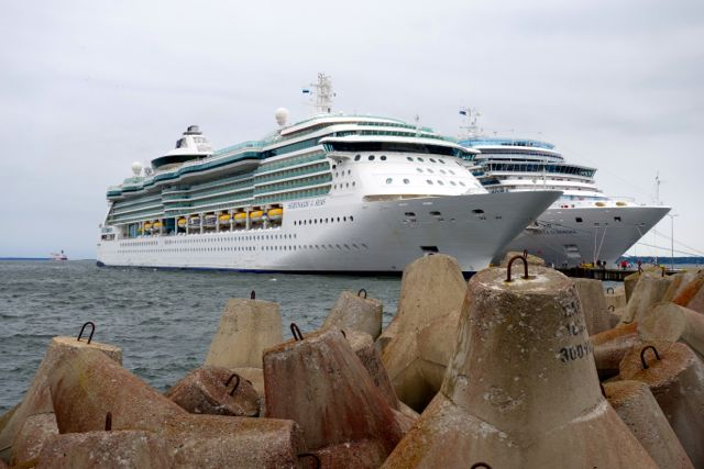 Royal Caribbean Serenade of the Seas at Tallinn