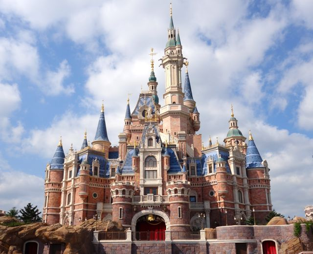 Shanghai Disneyland: Is it worth a visit?